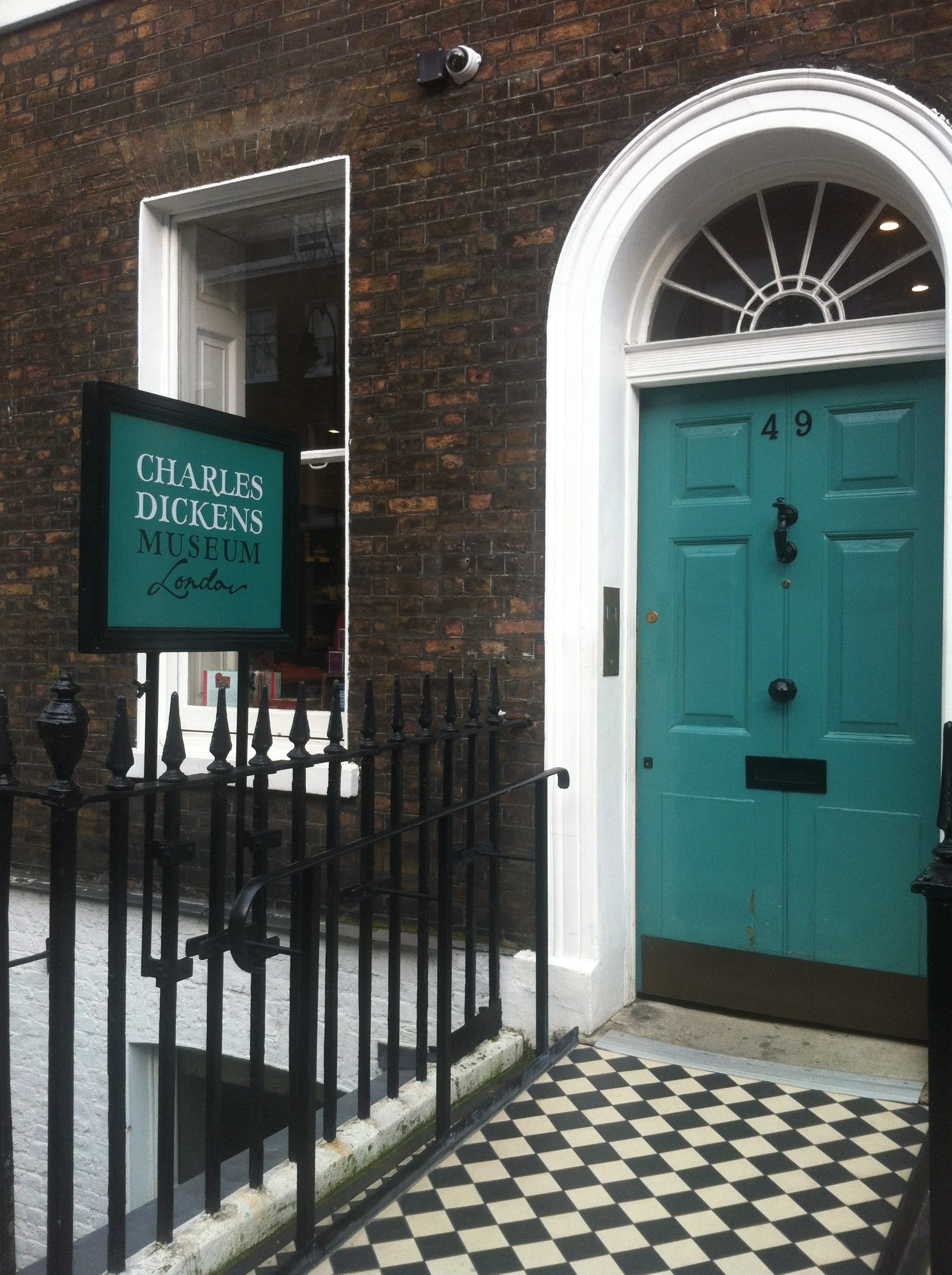 PhoeTravels to Charles Dickens Museum, London