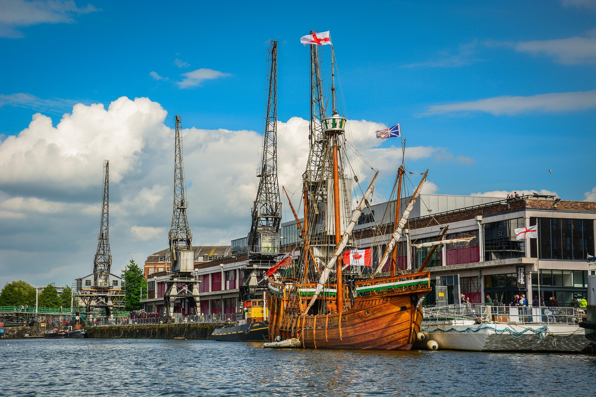 Phoe Travels to Bristol, England